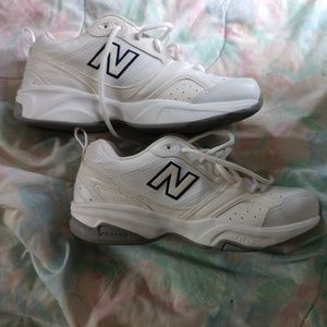 New Balance Women's Sneakers Size 8